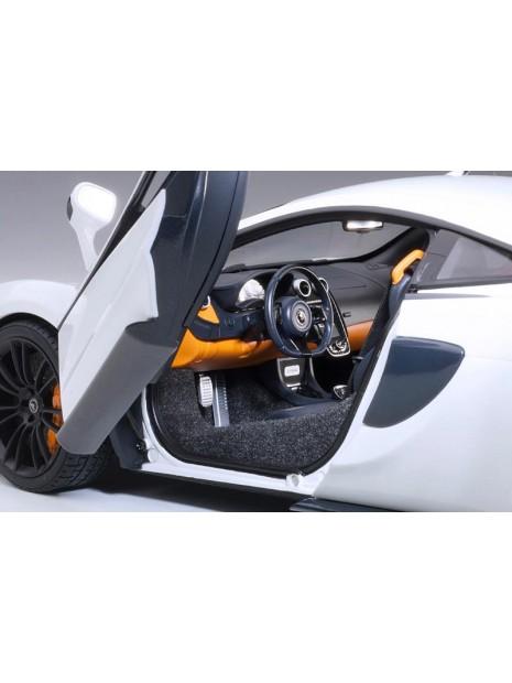 McLaren 570S 2016 1/18 AUTOart AUTOart - 24