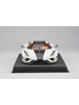 McLaren P1 1:8 Amalgam Collection - 1