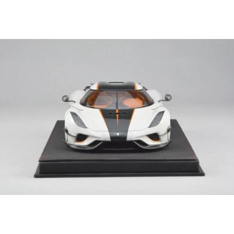 McLaren P1 1:8 Amalgam Collection - 1